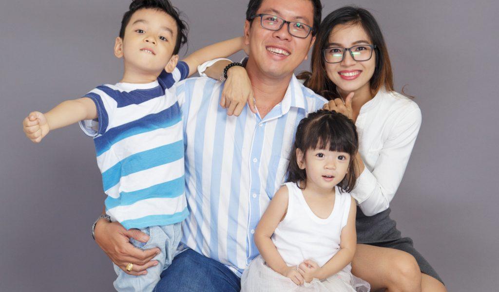 happy-asian-family-novelty